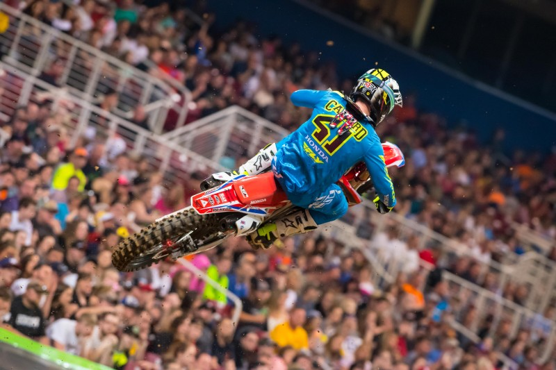 Canard Finishes Fifth at St. Louis Supercross