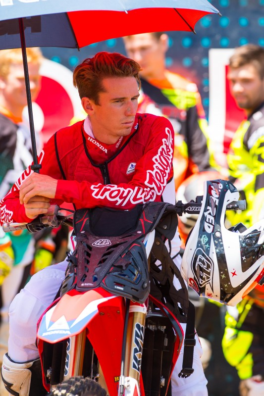 Seely Undergoes Successful Surgery on Right Hand