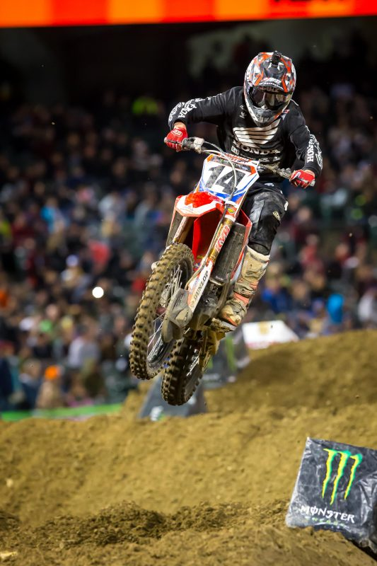 Seely Salvages Fifth at Oakland Supercross
