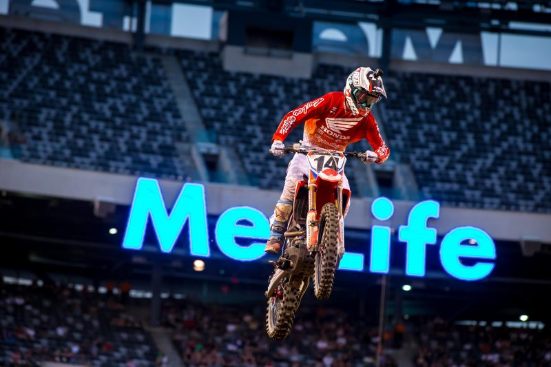 Seely Reinjured at New Jersey Supercross