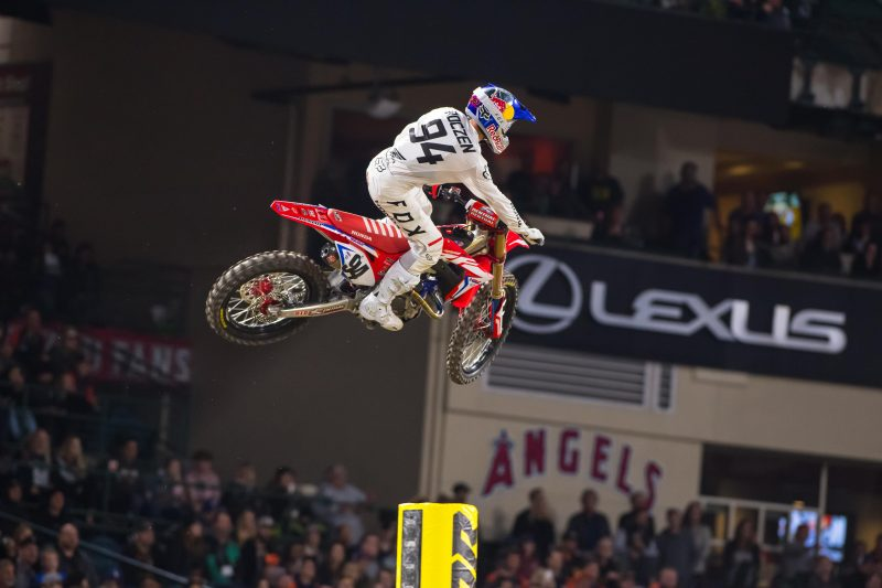 Roczen Returns to AMA Supercross with a Fourth in Anaheim