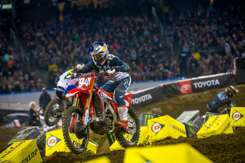 Roczen Secures Top-Five Finish at Oakland Supercross
