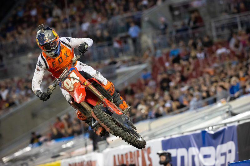 Podium Finish for Roczen at Tampa Supercross, Brayton Makes Top 10